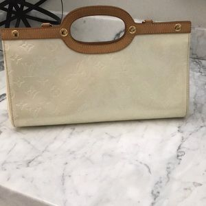 100% authentic Louis Vuitton vernis bag